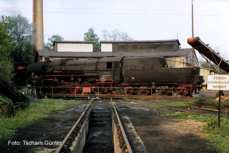 52 5137 vor Lokschuppen Pethau Mai 1981 Ci